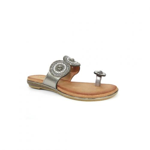 Oyster-Glitz-Toe-Loop-Sandal